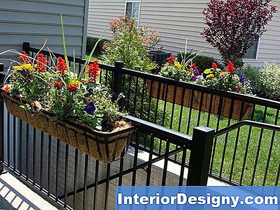 Diy Patio Railing Planter