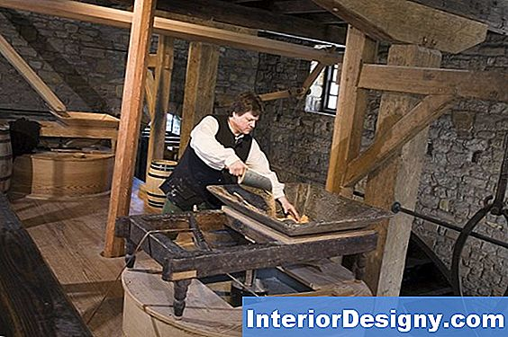 Colonial Woodworking Information