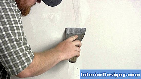 Fixing Torn Wallpaper An Den Ecken