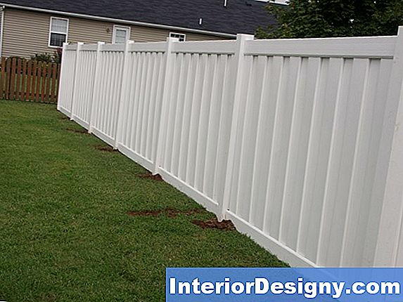 Tongue & Groove Vinyl Fence