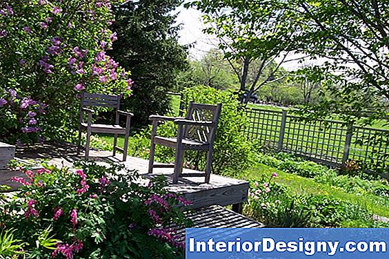 Come Landscape Around A Deck With Lattice